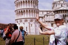 Опит за бутане на Наклонената кула в Пиза